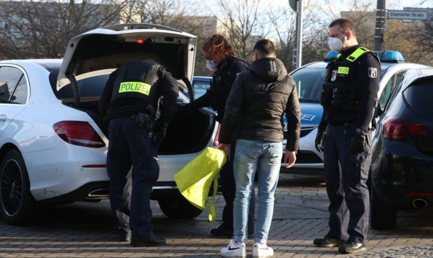 Polizei stoppt Hochzeitskorso nach Schüssen